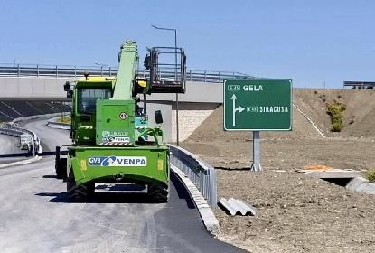 https://www.ragusanews.com//immagini_articoli/14-09-2021/ecco-l-auto-strada-a-modica-280.jpg
