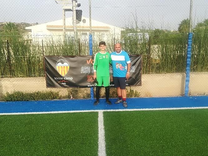https://www.ragusanews.com//immagini_articoli/14-09-2021/una-scuola-calcio-portieri-maschile-e-femminile-a-scicli-500.jpg