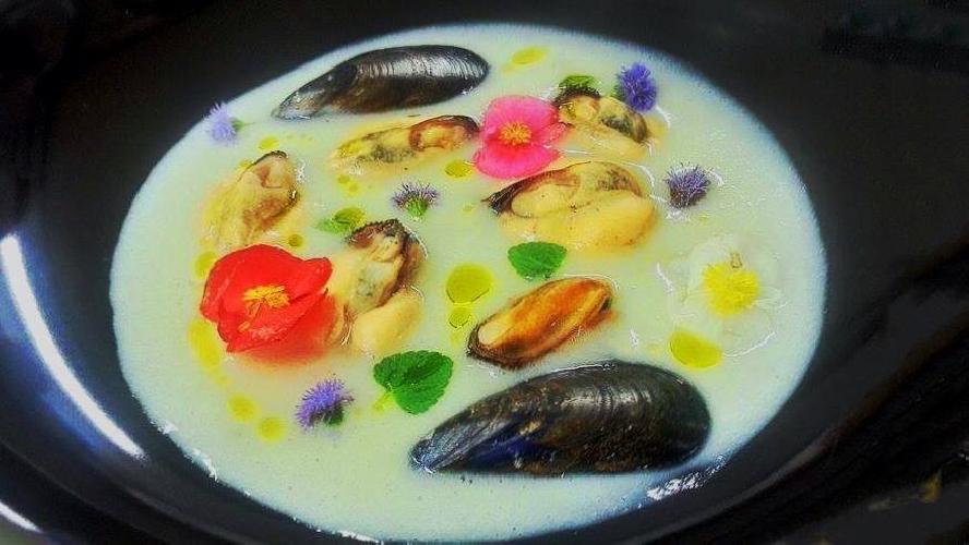 http://www.ragusanews.com//immagini_articoli/14-10-2014/lo-chef-luca-giannone-a-taormina-500.jpg