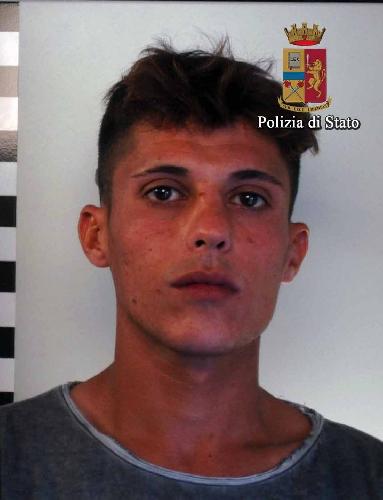 http://www.ragusanews.com//immagini_articoli/14-10-2015/droga-arrestato-david-palumbo-500.jpg