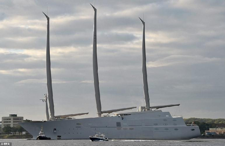 https://www.ragusanews.com//immagini_articoli/14-10-2017/1507977136-yacht-bello-mondo-mare-scicli-foto-1-500.jpg