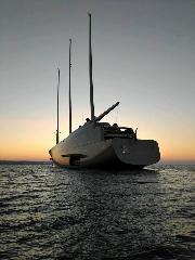https://www.ragusanews.com//immagini_articoli/14-10-2017/1507978357-yacht-bello-mondo-mare-scicli-foto-1-240.jpg