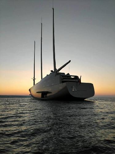 https://www.ragusanews.com//immagini_articoli/14-10-2017/1507978357-yacht-bello-mondo-mare-scicli-foto-1-500.jpg
