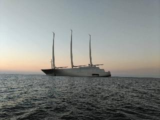 https://www.ragusanews.com//immagini_articoli/14-10-2017/1507978376-yacht-bello-mondo-mare-scicli-foto-1-240.jpg