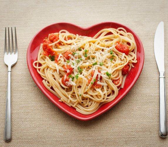 http://www.ragusanews.com//immagini_articoli/14-10-2017/dieta-pasta-meno-giorni-500.jpg