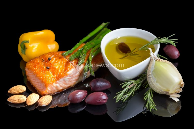 https://www.ragusanews.com//immagini_articoli/14-10-2019/dieta-mediterranea-menu-settimanale-per-dimagrire-velocemente-500.jpg