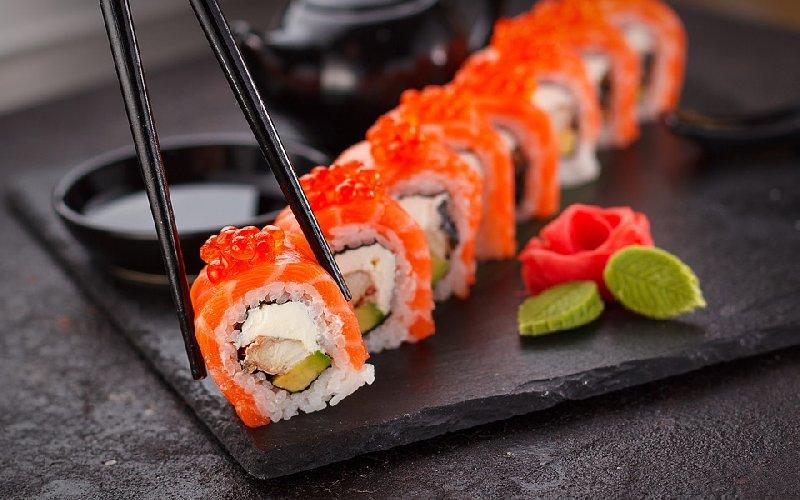 https://www.ragusanews.com//immagini_articoli/14-10-2019/dieta-sushi-schema-settimanale-per-dimagrire-in-salute-500.jpg