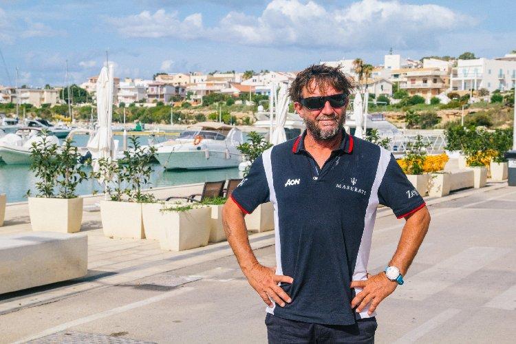 https://www.ragusanews.com//immagini_articoli/14-10-2020/giovanni-soldini-a-marina-di-ragusa-foto-500.jpg