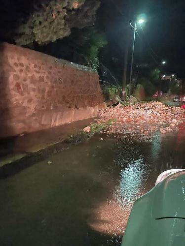 https://www.ragusanews.com//immagini_articoli/14-10-2021/1634203877-palermo-frana-sotto-la-pioggia-voragini-e-allagamenti-foto-video-4-500.jpg