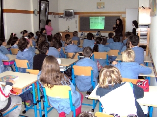 http://www.ragusanews.com//immagini_articoli/14-11-2011/ispica-il-pd-contro-il-ridimensionamento-scolastico-della-giunta-rustico-240.jpg