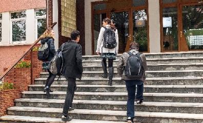 http://www.ragusanews.com//immagini_articoli/14-11-2017/abbandono-scolastico-dato-ragusa-240.jpg