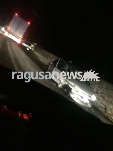 https://www.ragusanews.com//immagini_articoli/14-11-2017/incidente-modicaispica-500.jpg