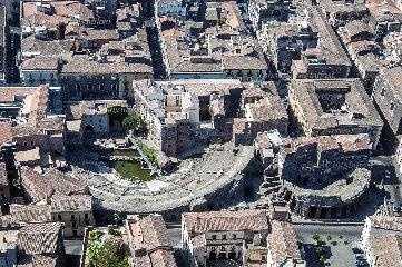 https://www.ragusanews.com//immagini_articoli/14-11-2018/1542217473-sicilia-vista-luigi-nifosi-mostra-modica-foto-1-240.jpg