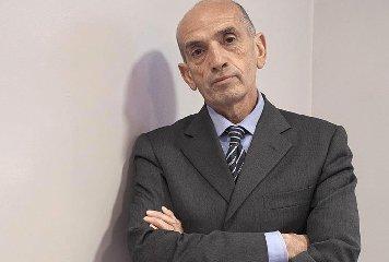 https://www.ragusanews.com//immagini_articoli/14-11-2018/giornalista-domenico-quirico-modica-240.jpg