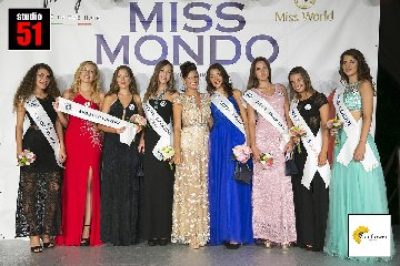 https://www.ragusanews.com//immagini_articoli/14-11-2018/miss-mondo-rosolini-240.jpg