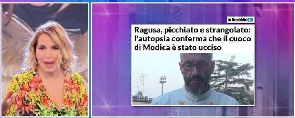 https://www.ragusanews.com//immagini_articoli/14-11-2019/barbara-durso-racconta-in-diretta-i-funerali-di-peppe-lucifora-video-240.jpg