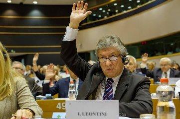 https://www.ragusanews.com//immagini_articoli/14-11-2019/innocenzo-leontini-si-candida-a-sindaco-di-ispica-240.jpg