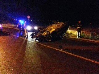 http://www.ragusanews.com//immagini_articoli/14-12-2017/incidente-ieri-sera-comisopedalino-240.jpg