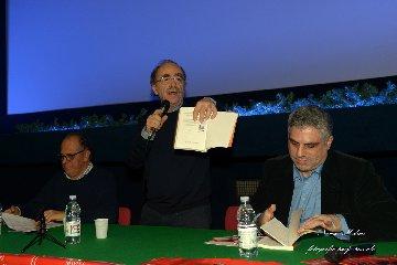 http://www.ragusanews.com//immagini_articoli/14-12-2017/vittoria-peace-film-fest-omaggio-maurizio-nichetti-240.jpg