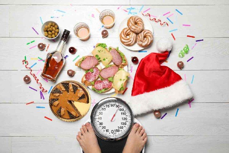 https://www.ragusanews.com//immagini_articoli/14-12-2020/prendi-sempre-peso-durante-le-feste-i-tre-errori-da-evitare-500.jpg