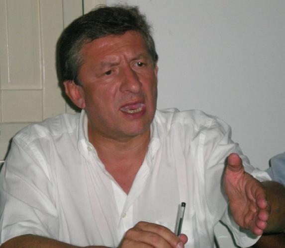 https://www.ragusanews.com//immagini_articoli/15-01-2014/spese-pazze-leontini-pago-una-multa-e-dei-gioielli-coi-soldi-della-regione-500.jpg
