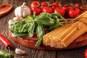 http://www.ragusanews.com//immagini_articoli/15-01-2018/dieta-mediterranea-240.jpg