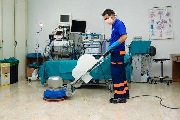 http://www.ragusanews.com//immagini_articoli/15-01-2018/pulizie-ospedali-ragusani-indaga-finanza-240.jpg