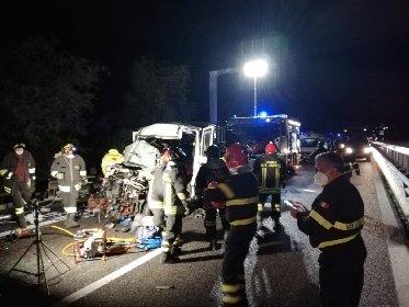 https://www.ragusanews.com//immagini_articoli/15-01-2021/incidente-un-morto-e-sei-feriti-sulla-palermo-catania-280.jpg
