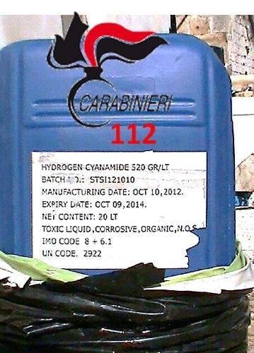 http://www.ragusanews.com//immagini_articoli/15-02-2014/beve-per-sbaglio-un-antiparassitario-e-in-prognosi-riservata-500.jpg