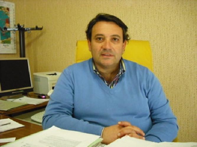http://www.ragusanews.com//immagini_articoli/15-02-2014/vittoria-il-presidente-di-falco-nel-mirino-500.jpg