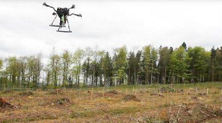 https://www.ragusanews.com//immagini_articoli/15-02-2018/droni-semineranno-foreste-cielo-240.jpg