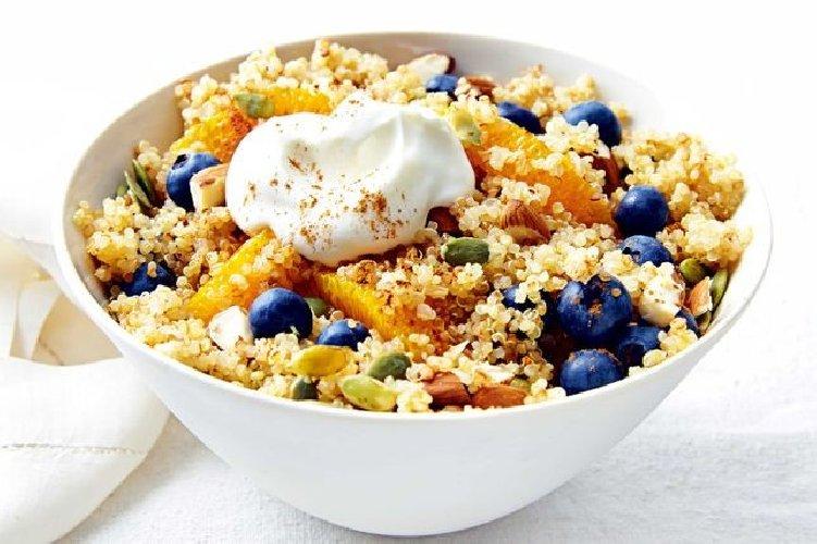 https://www.ragusanews.com//immagini_articoli/15-02-2018/quinoa-benefici-cucinarla-500.jpg