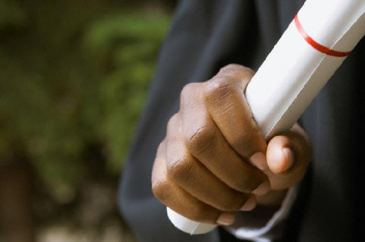 https://www.ragusanews.com//immagini_articoli/15-03-2011/diplomi-falsi-al-comune-di-vittoria-tre-condanne-500.jpg