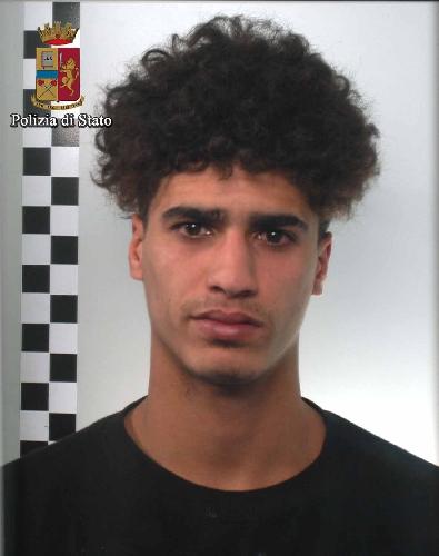 https://www.ragusanews.com//immagini_articoli/15-03-2016/rapinatore-tunisino-in-carcere-500.jpg