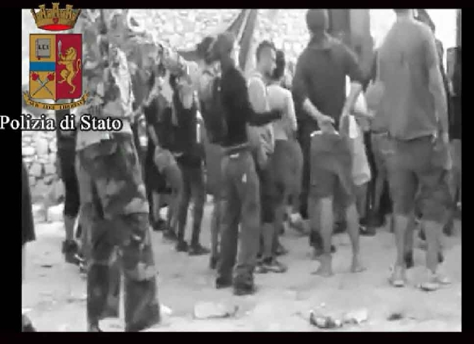 http://www.ragusanews.com//immagini_articoli/15-03-2017/rave-party-abusivo-serra-bartolo-denunciati-500.jpg