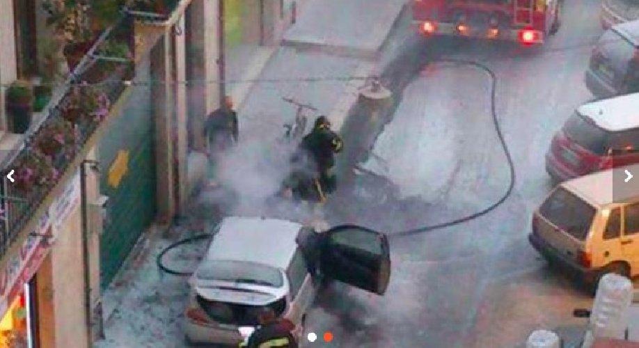 https://www.ragusanews.com//immagini_articoli/15-03-2018/fuoco-lancia-milano-vittoria-500.jpg