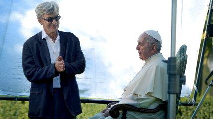 https://www.ragusanews.com//immagini_articoli/15-03-2018/papa-francesco-film-wenders-240.jpg