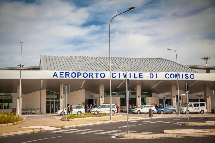 https://www.ragusanews.com//immagini_articoli/15-03-2019/vigili-urbani-hanno-spento-focolaio-incendio-aeroporto-500.jpg