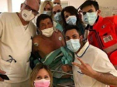 https://www.ragusanews.com//immagini_articoli/15-03-2021/gianni-morandi-sta-meglio-e-fa-selfie-in-ospedale-coi-medici-foto-280.jpg