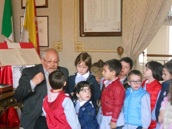 https://www.ragusanews.com//immagini_articoli/15-04-2013/i-bambini-della-peter-pan-incontrano-il-sindaco-500.jpg