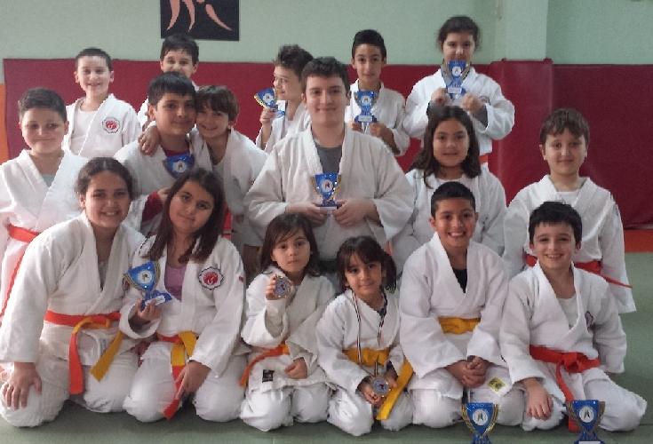 https://www.ragusanews.com//immagini_articoli/15-04-2014/judo-criterium-giovanissimi-a-modica-500.jpg