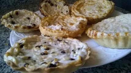 https://www.ragusanews.com//immagini_articoli/15-04-2017/1492280406-mpanate-pastizzi-cassateddi-gastronomia-pasqua-iblea-video-7-240.jpg