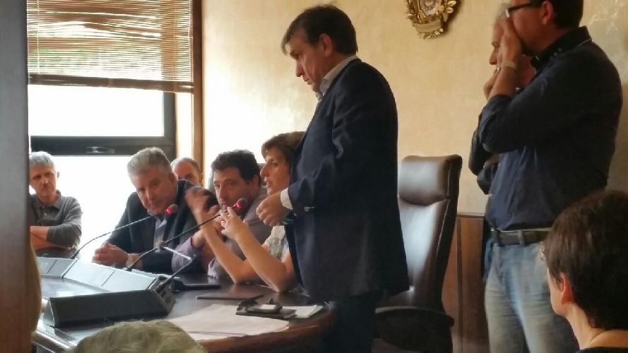 http://www.ragusanews.com//immagini_articoli/15-05-2015/province-siciliane-e-dipendenti-in-default-500.jpg