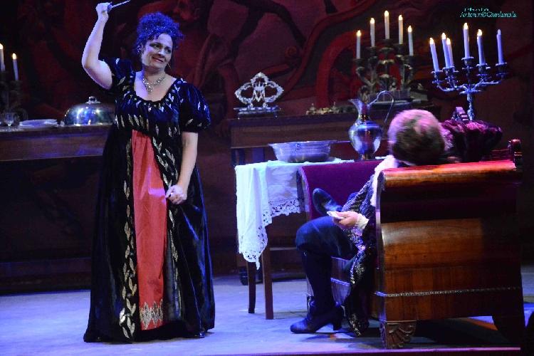 http://www.ragusanews.com//immagini_articoli/15-05-2017/bene-tosca-teatro-garibaldi-500.jpg
