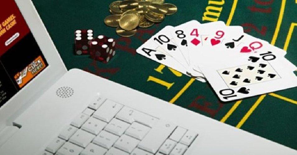 https://www.ragusanews.com//immagini_articoli/15-05-2019/quanto-spendono-i-casino-online-in-pubblicita-500.jpg
