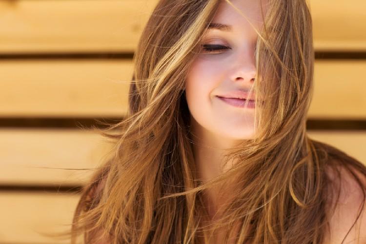 https://www.ragusanews.com//immagini_articoli/15-05-2020/le-5-mosse-per-avere-i-capelli-perfetti-500.jpg