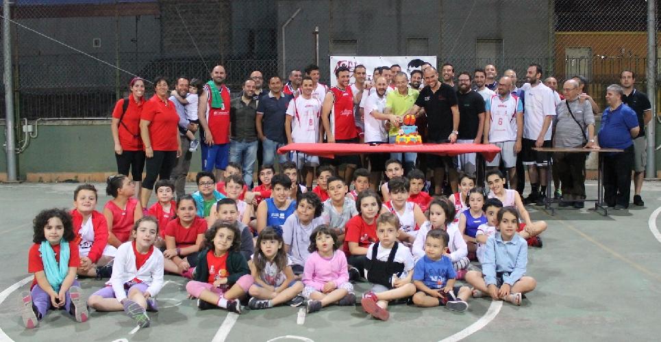 https://www.ragusanews.com//immagini_articoli/15-06-2017/basket-domenico-savio-festeggia-anni-500.jpg