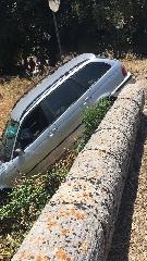 http://www.ragusanews.com//immagini_articoli/15-06-2017/ribalta-fiumara-ferito-conducente-station-wagon-240.jpg