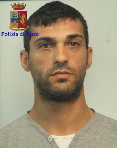 http://www.ragusanews.com//immagini_articoli/15-06-2017/ricercato-germania-arrestato-ragusa-gianluca-500.jpg