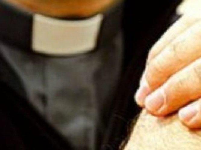 https://www.ragusanews.com//immagini_articoli/15-06-2018/parroco-ragusa-travolto-scandalo-sessuale-vescovo-misericordia-500.jpg